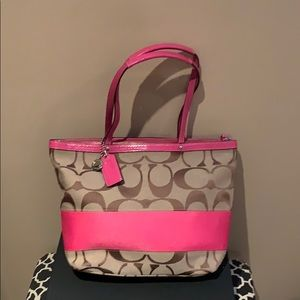 Coach handbag with pink details